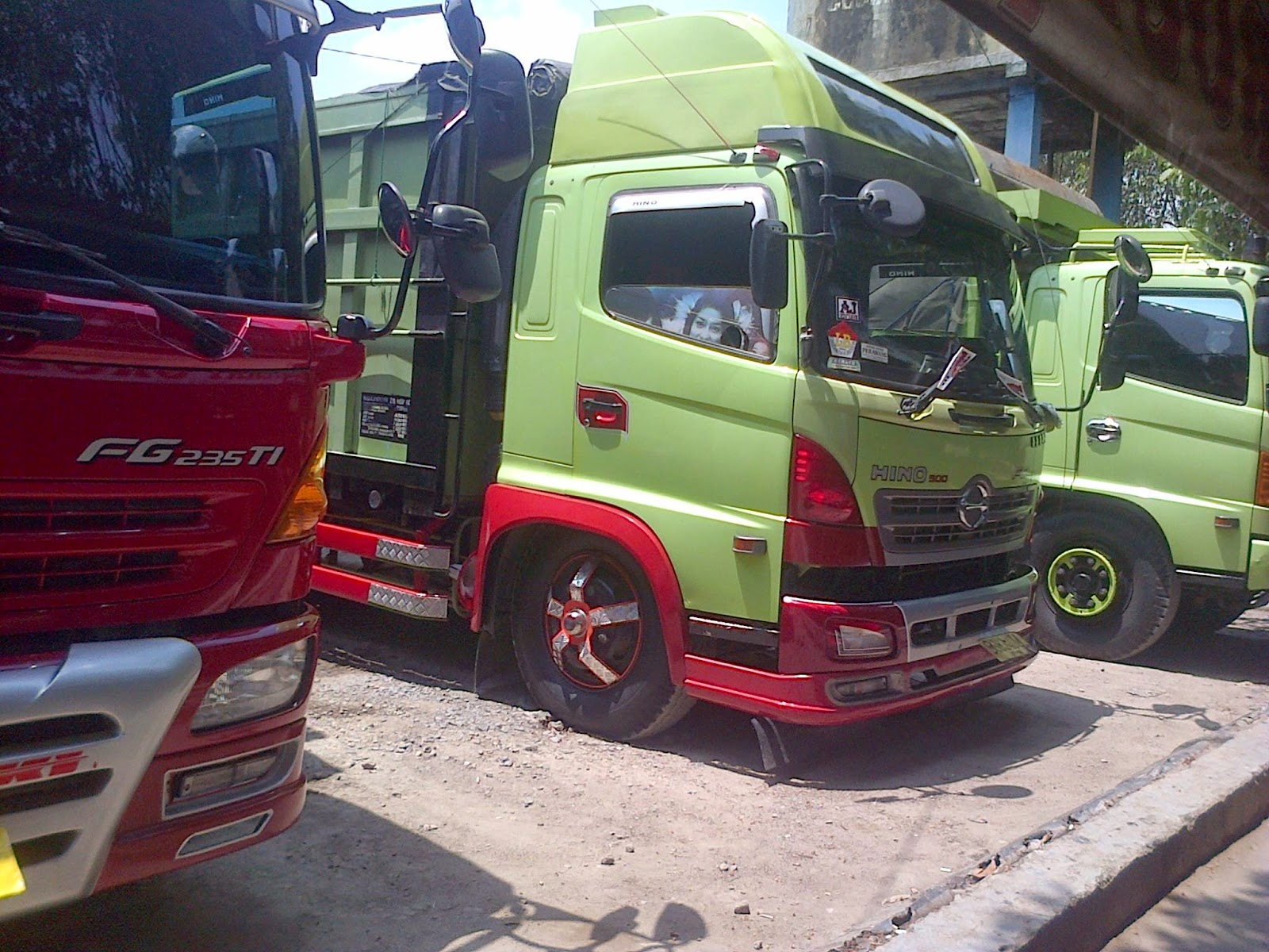Gambar Modifikasi Truk Hino Dutro Download 50 Modifikasi Mobil Hino Dump Truck Terupdate Ontong