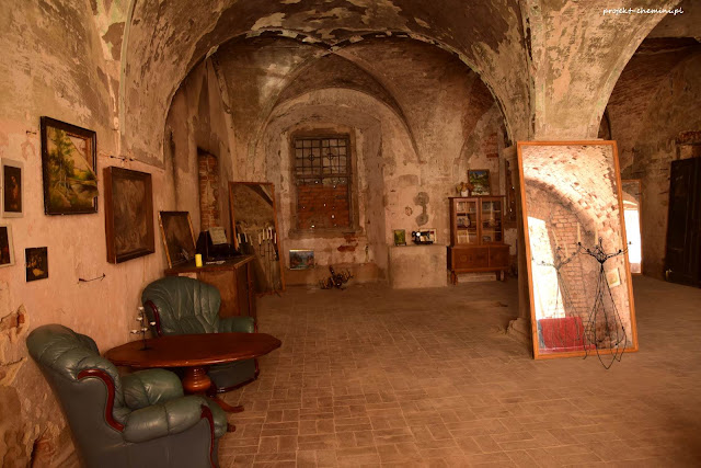Zamek w Chobieni wnętrza