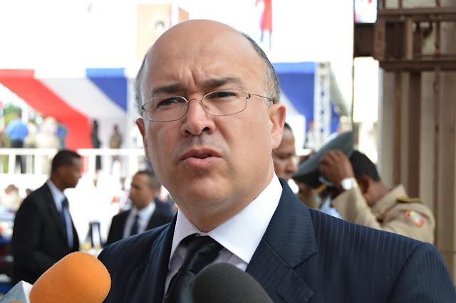 Domínguez Brito propone reforma integral en la Policía  para combatir delincuencia