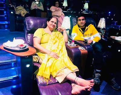 lalit shokeen and his mother in theatre
