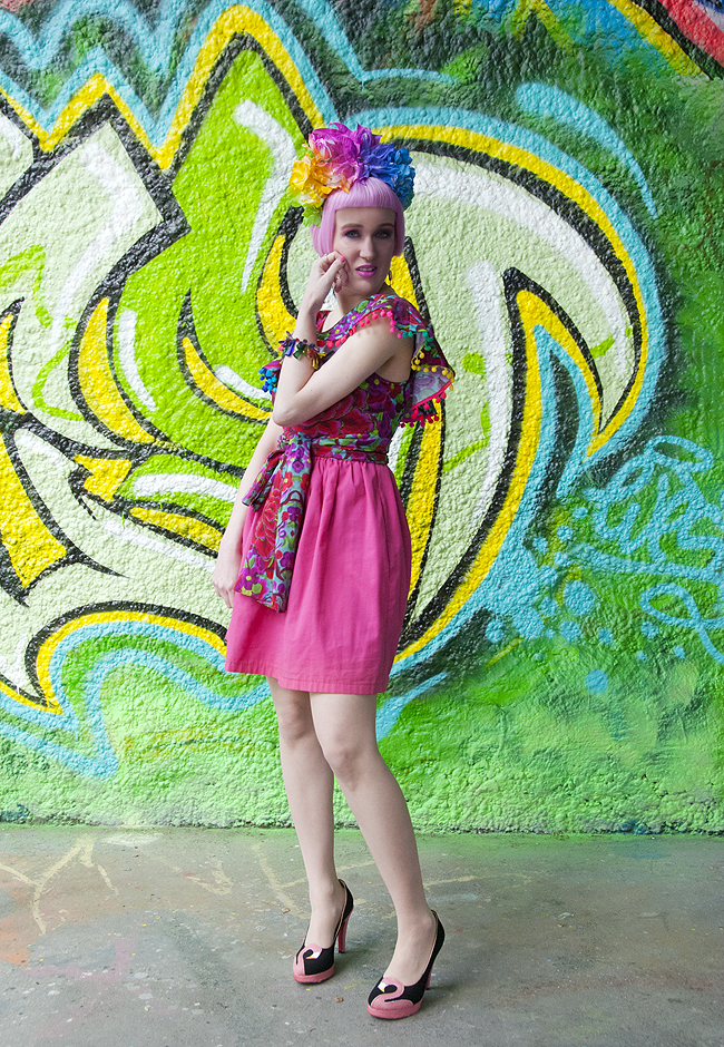 Frida Kahlo outfit, colorful blogger look, festival fashion