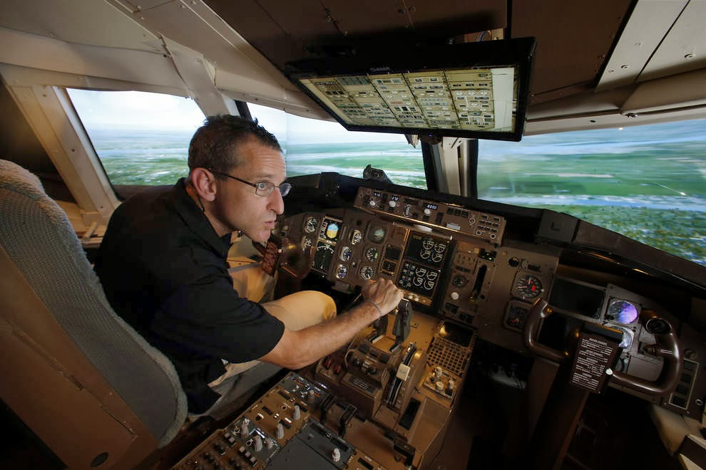 Virtual Dilemma: Squawking 7700 in an airliner, can Av8rdan save the