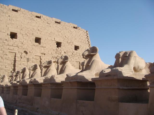 Karnak Tapınağı Girişi