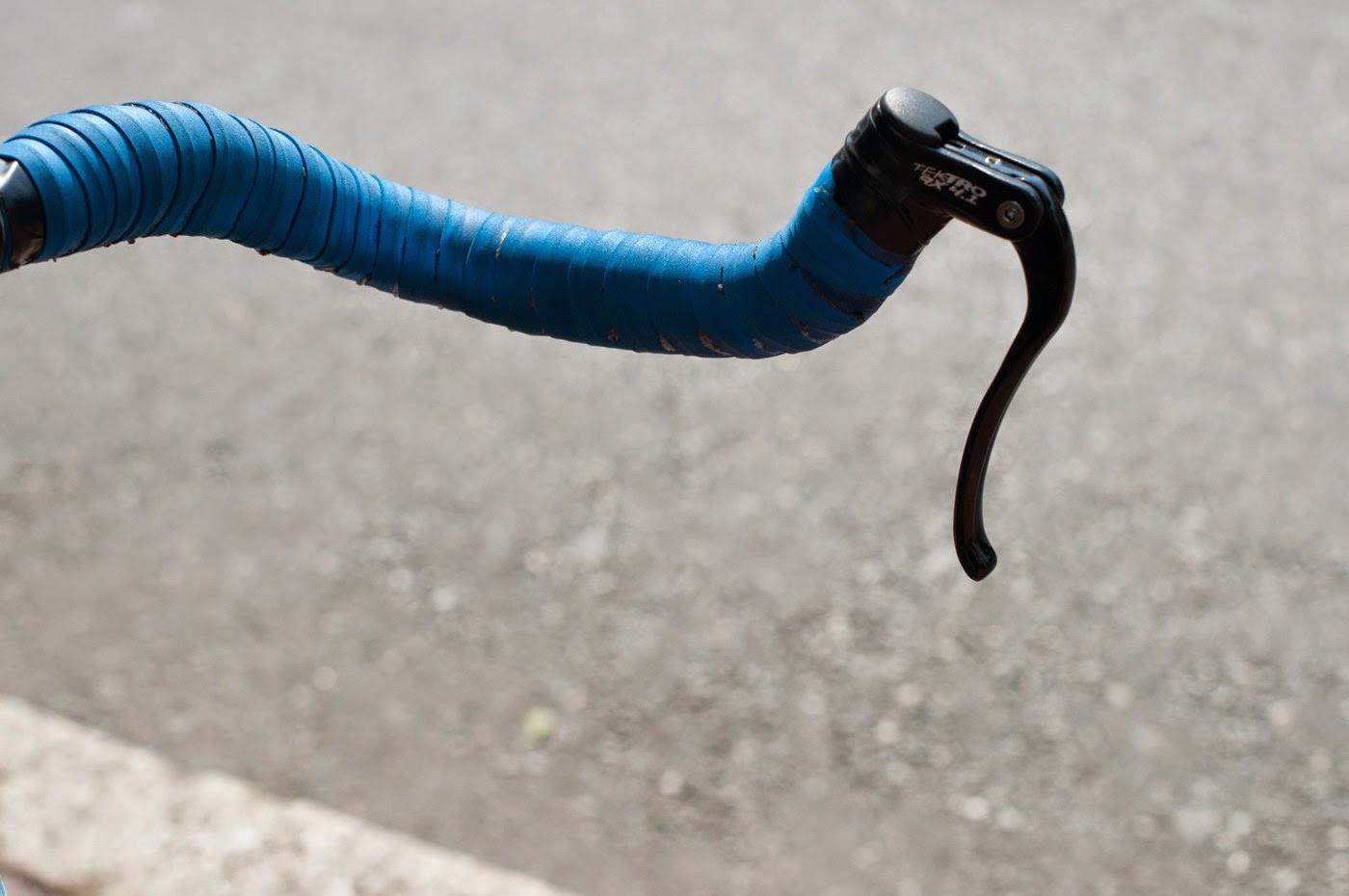 Fixie, fixed speed, bicycle, boston, USA, custom, customised, blue, tim Macauley, the biketorialist, shimano, frame, 3t, ritchey, tiagra, time trial, handlebars, tektro, brake lever