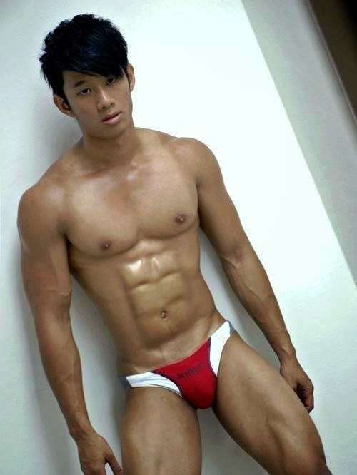 japanese-muscle-guy-nude