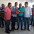 Prefeitura entrega kits de trabalho para vendedores em Simões Filho