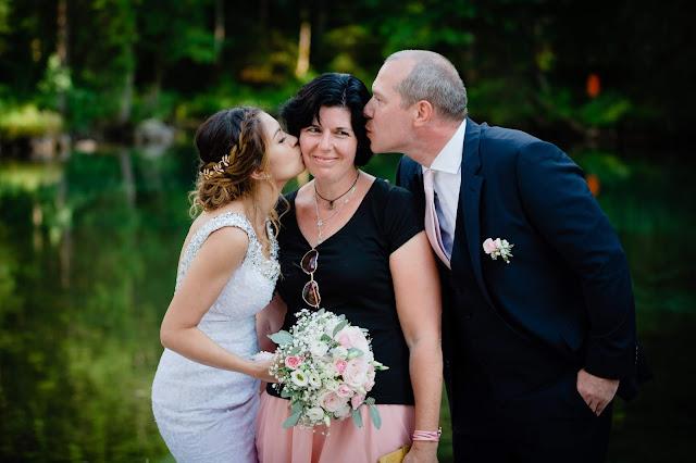 Küsschen, Kiss the wedding planner, Hochzeitsplaner Garmisch-Partenkirchen, wedding planner Germany, Bavaria, Garmisch, Uschi Glas, märchenhafte Hochzeiten, good job done