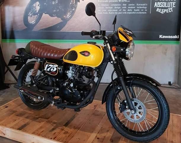 Kawasaki W175 Cafe pearl brilliant yellow