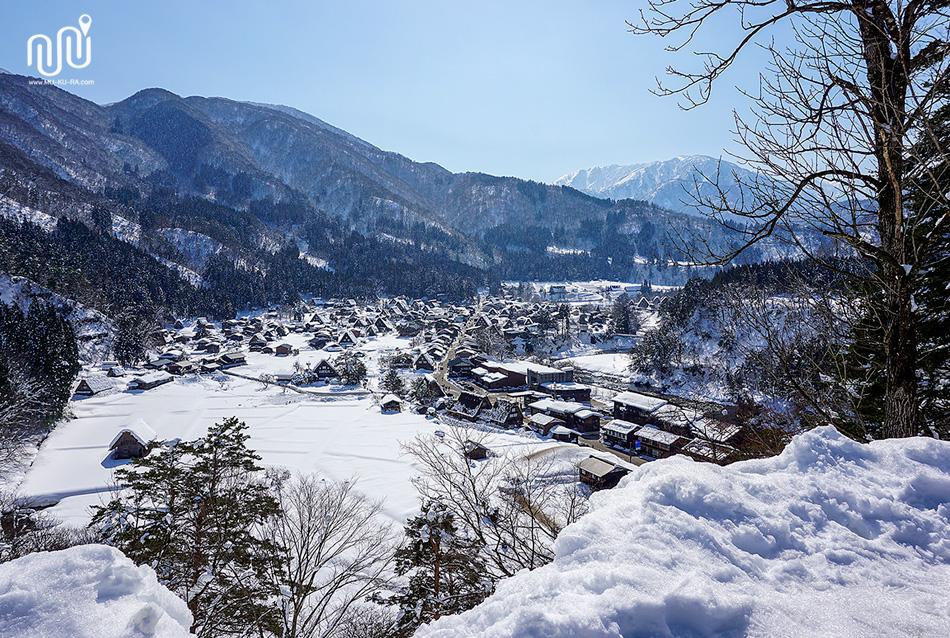 จุดชมวิวหมู่บ้านชิราคาวาโกะ (Shirakawa-go) มุมสูง