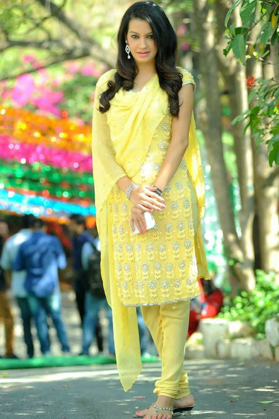 , Diksha Panth Hottest Pics in Punjabi Dress - Yellow Chudidaar