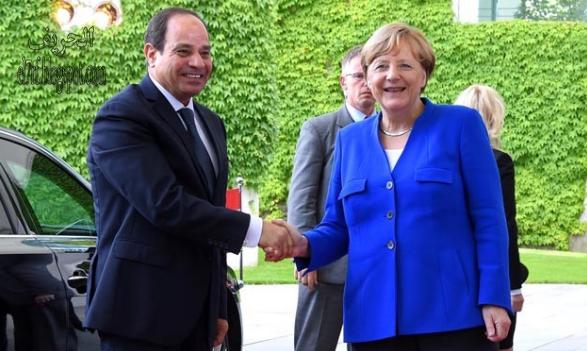 عبد الفتاح السيسي والمستشارة الألمانية أنجيلا ميركل في برلين في يونيو / حزيران 2017 خلال قمة مجموعة العشرين - فيل فوتو
