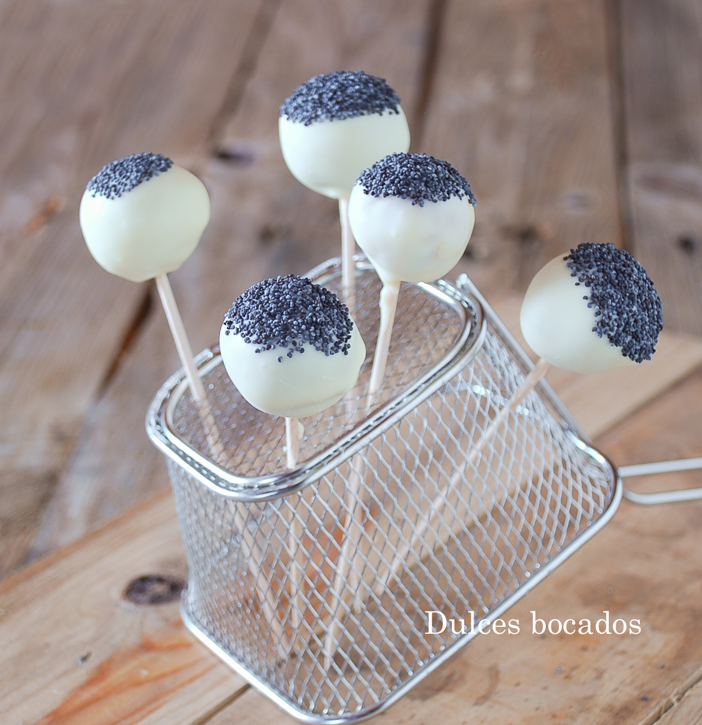 Cake pop de sobrasada y chocolate blanco