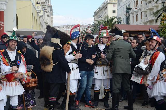 Οι Μωμόγεροι έρχονται να αναστατώσουν το κέντρο της Θεσσαλονίκης