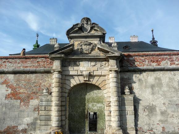 Подгорецкий замок. Въездные ворота