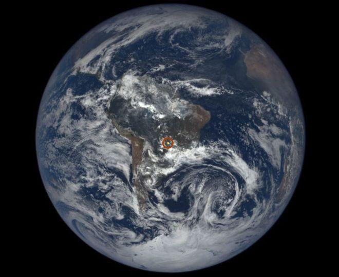 O que são os estranhos clarões vistos na Terra a partir do espaço