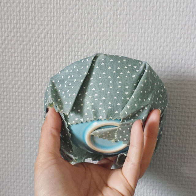 Hjemmelaget bivokspapir uten treharpiks / DIY beeswax wraps without pine tree resin