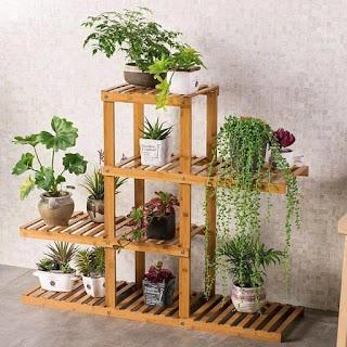Muebles de madera para macetas y plantas