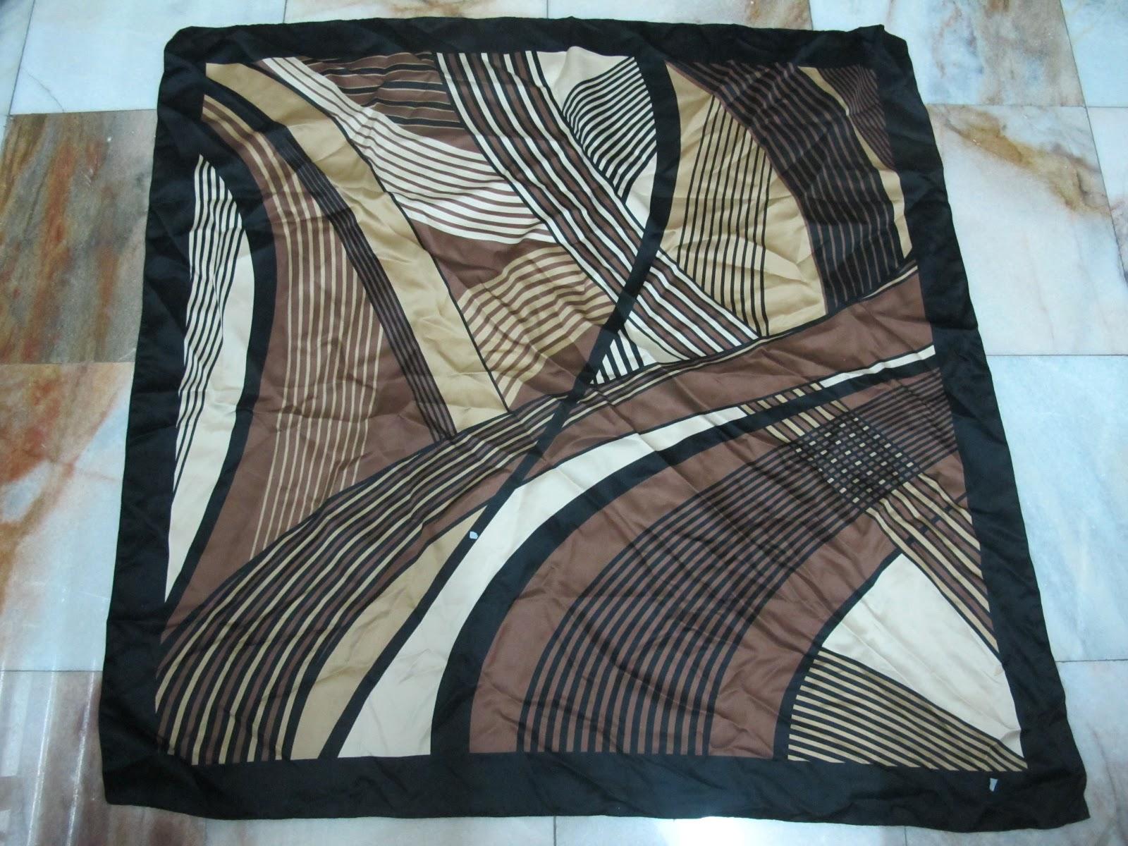 beauty tierack scarves