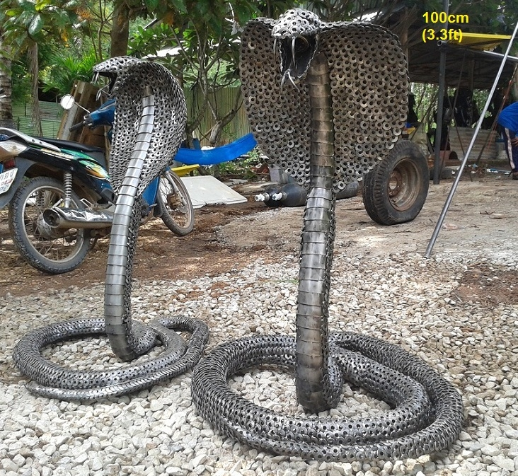 05-Cobra-Snake-Namfon-Suktawee-Animals-Art-made-by-Upcycling-Scrap-Metal-in-Thailand-www-designstack-co