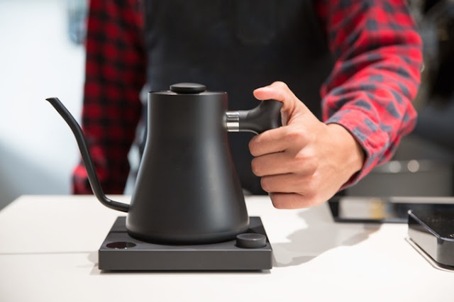 Stagg Ekg A Minimalist Electric Kettle For Coffee Lovers