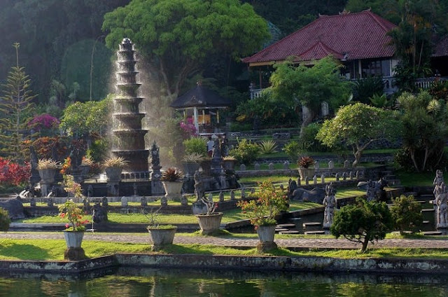 ubud, bali, tourism in ubud, tourism, bali tourism, ubud tourist attraction