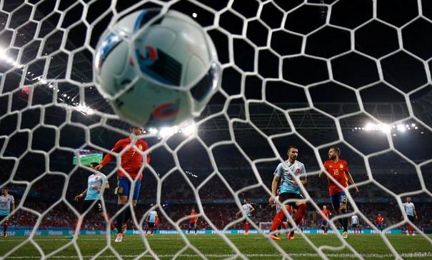 Spanyol 3-0 Turki