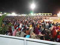 MasyaAllah, Belasan Ribu Warga Tertib Mendengarkan Lantunan Ayat Suci Al-Quran di Arena MTQ Provinsi NTB