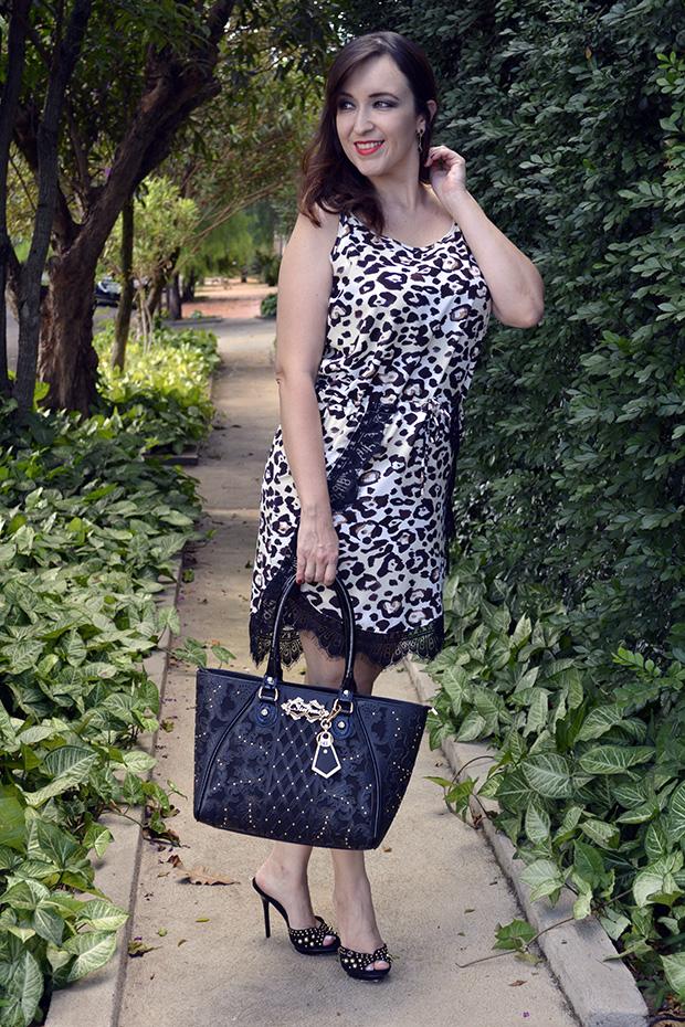 6f9cafe6a7 Blog Camila Andrade  LOOK GLAM ! VESTIDO ANIMAL PRINT + TAMANCO E ...