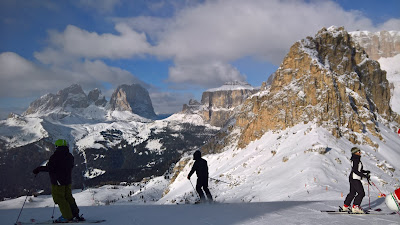 Skiing near Passo Pordoi, with a vew toward Sassolungo and Sassopiatto.
