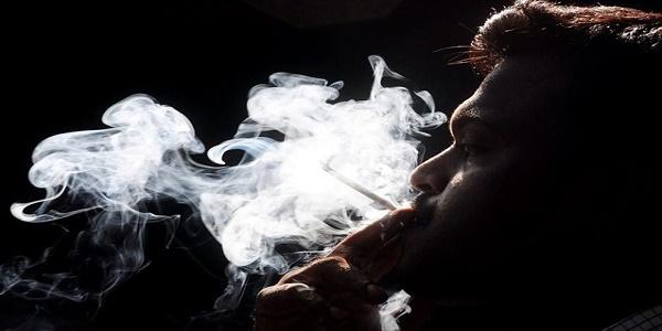 Μειώνονται οι καπνιστές στην Ελλάδα όχι όμως και οι παθητικοί καπνιστές