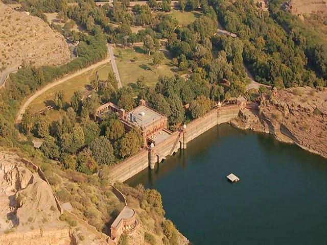 Balsamand Lake & Palace