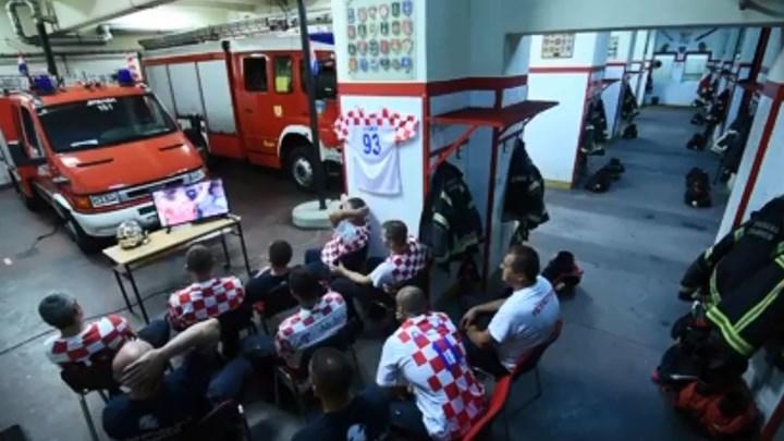 Δείτε το ΒΙΝΤΕΟ με τους Κροάτες πυροσβέστες που έγιναν viral