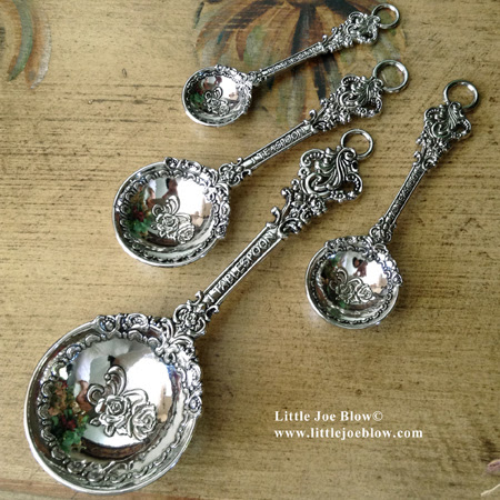 QUEEN OF THE KITCHEN Measuring Spoons And More!