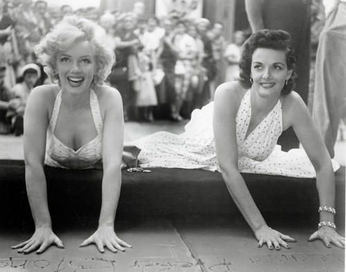 Jane Russell tells all about her experience with Marilyn Monroe on the set of gentlemen prefer blondes,