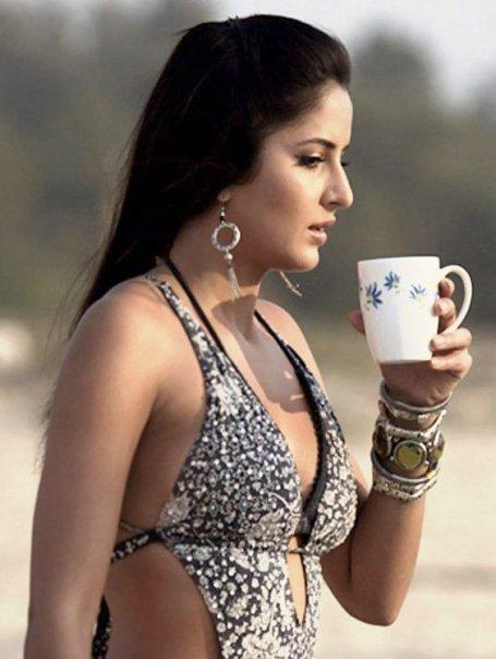 Katrina Kaif Hot Looks stunning