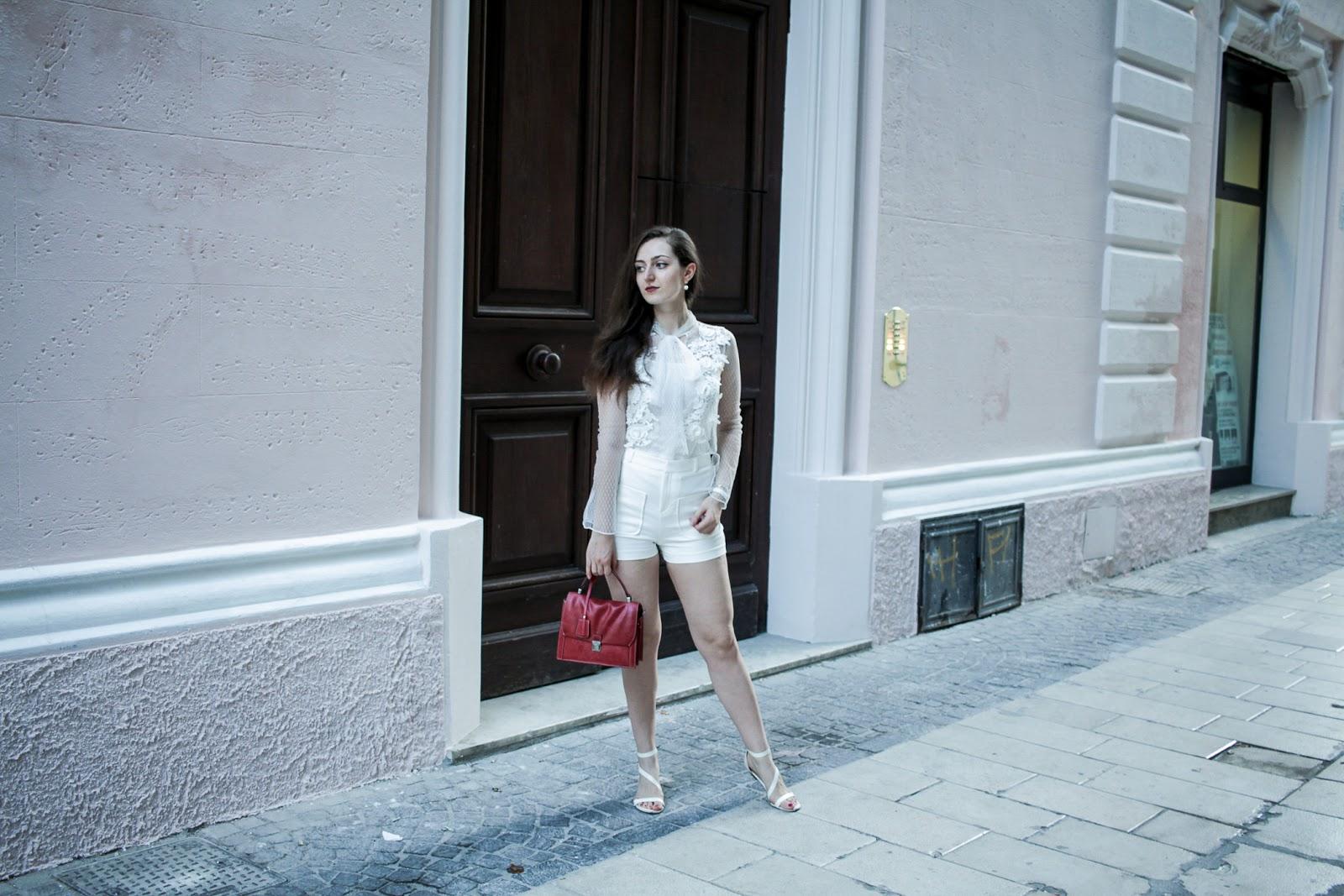Look total white in estate, cosa abbinare?
