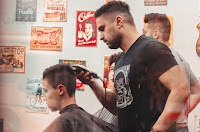 bisnis pangkas rambut, usaha pangkas rambut, pangkas rambut, usaha cukur rambut, usaha barbershop, potong rambut, barbershop