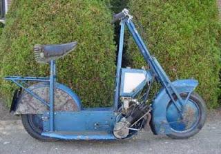 Historia De La Moto.-http://3.bp.blogspot.com/-ynduFQxi8oI/UDzcKc26pXI/AAAAAAAAABw/B0OXTPQkjOA/s320/Kenilworth_scooter.jpg