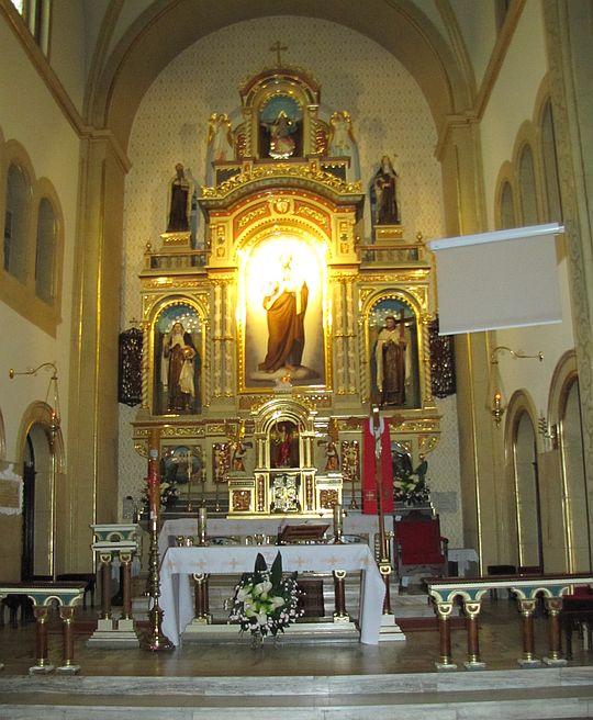 Ołtarz z obrazem św. Józefa.