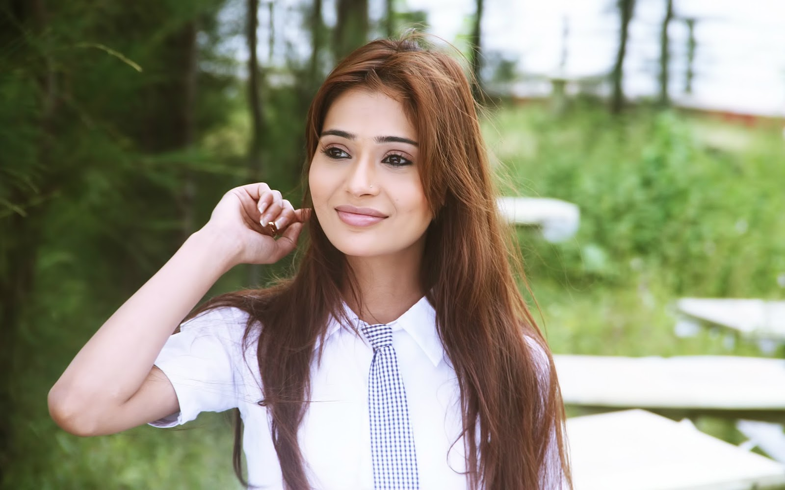 Sara Khan Complete biography, Age, Tv Serials, Wallpapers, wiki profile