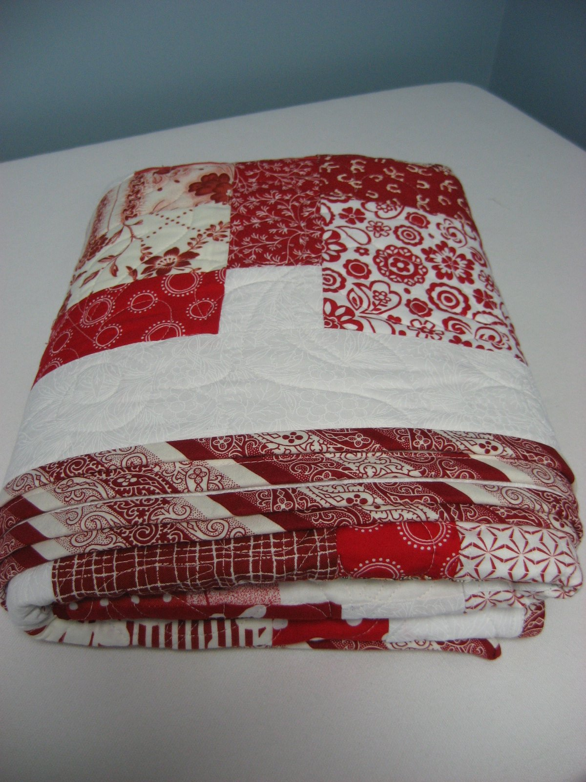 Hooked on Needles: Red and White Quilt ~ A Christmas Gift
