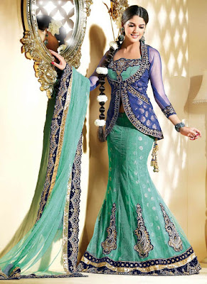 Simple and beautiful South asian style of bridal mehndi dress.