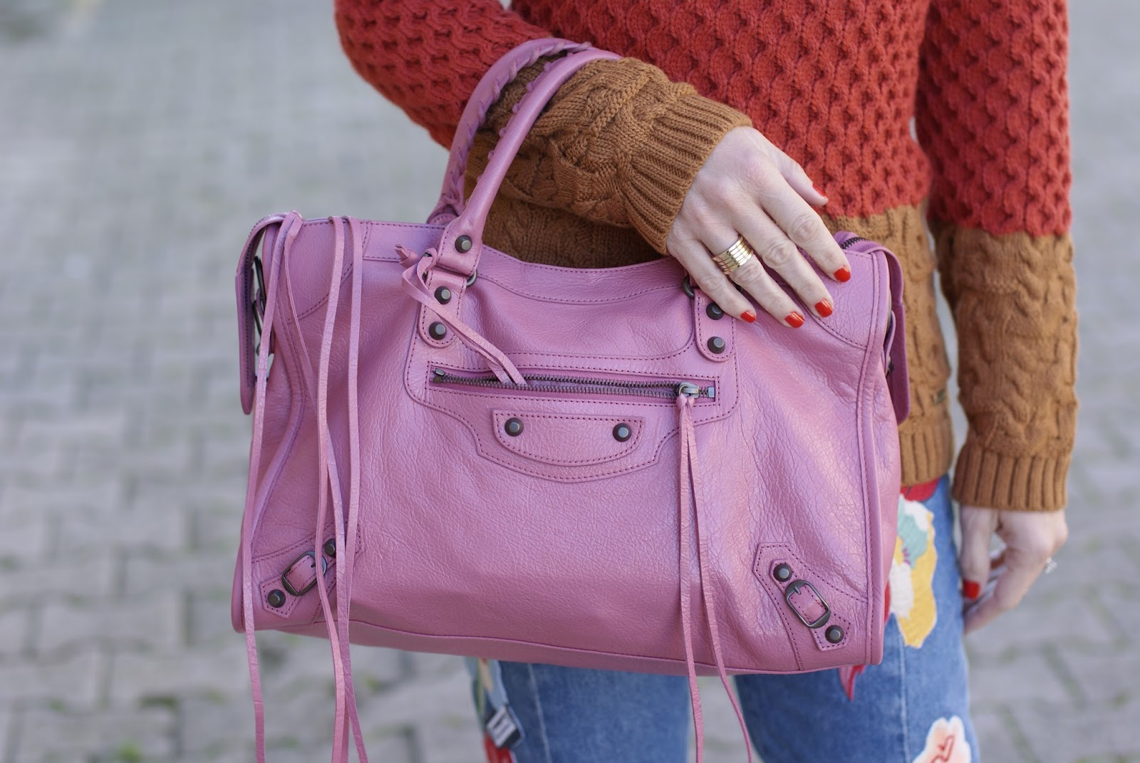 pink Balenciaga bag on Fashion and Cookies fashion blog, fashion blogger style