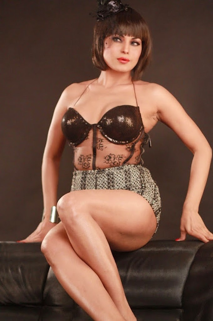 Pakistani Actress Veena Malik Latest Bikini Photo Shoot Photos