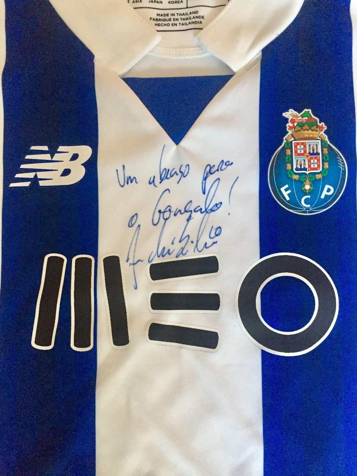 Camisola do FC Porto (dum dos meus netos) autografada por André Silva dbbff4569f103