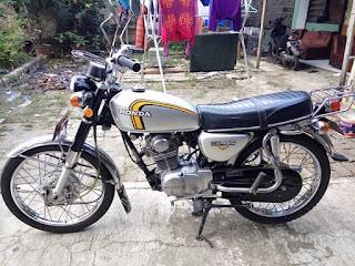 Motor Klasik Honda CB100 Tahun 76.