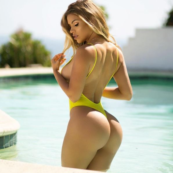 Hot girls Suelyn Medeiros sexy big butt Brazil.model