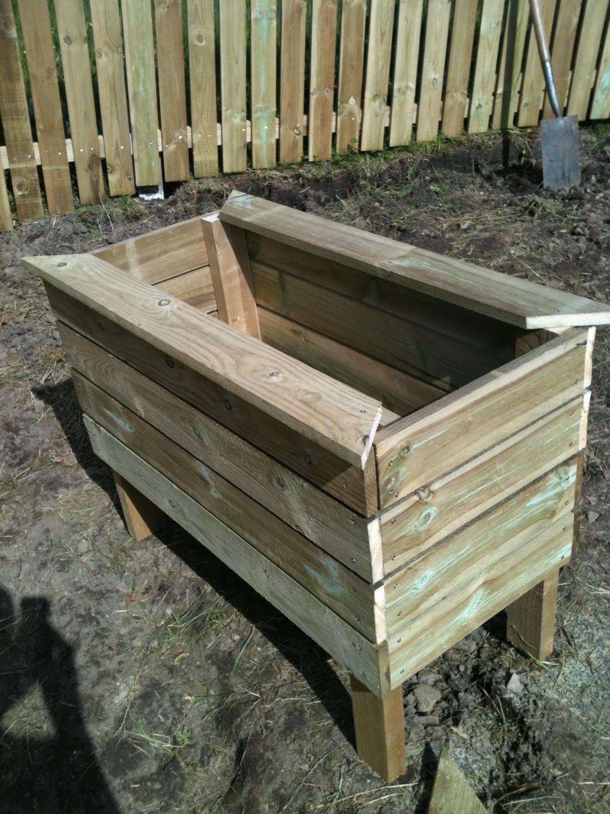 Jagmarie: trädgårdsarbete!