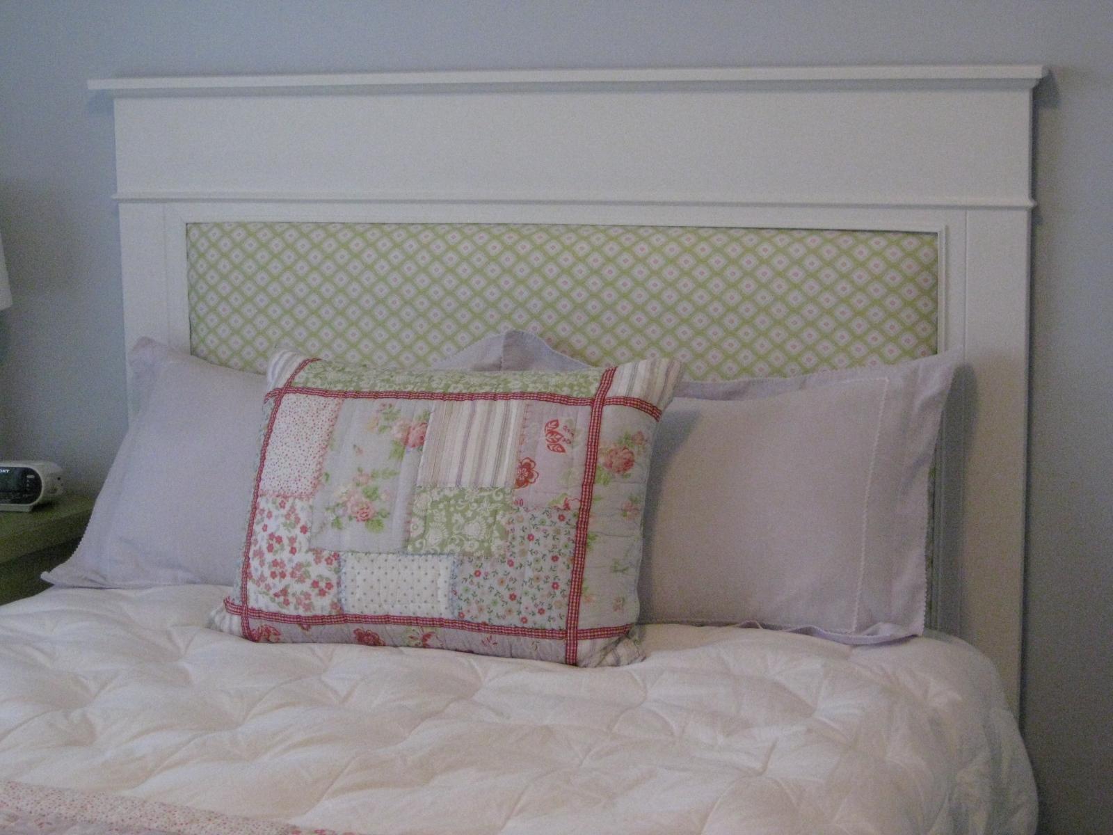 TDA decorating and design: DIY Farmhouse Upholstered Headboard
