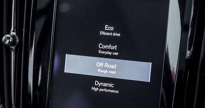 Volvo V90 Cross Country mode screen